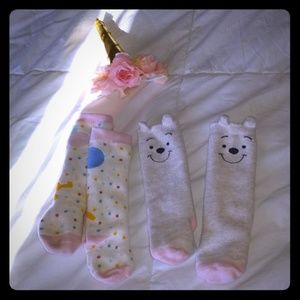 Socks very good condition size 3 - 6 months baby